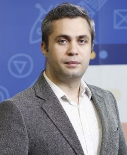 Mihai  Vînătoru